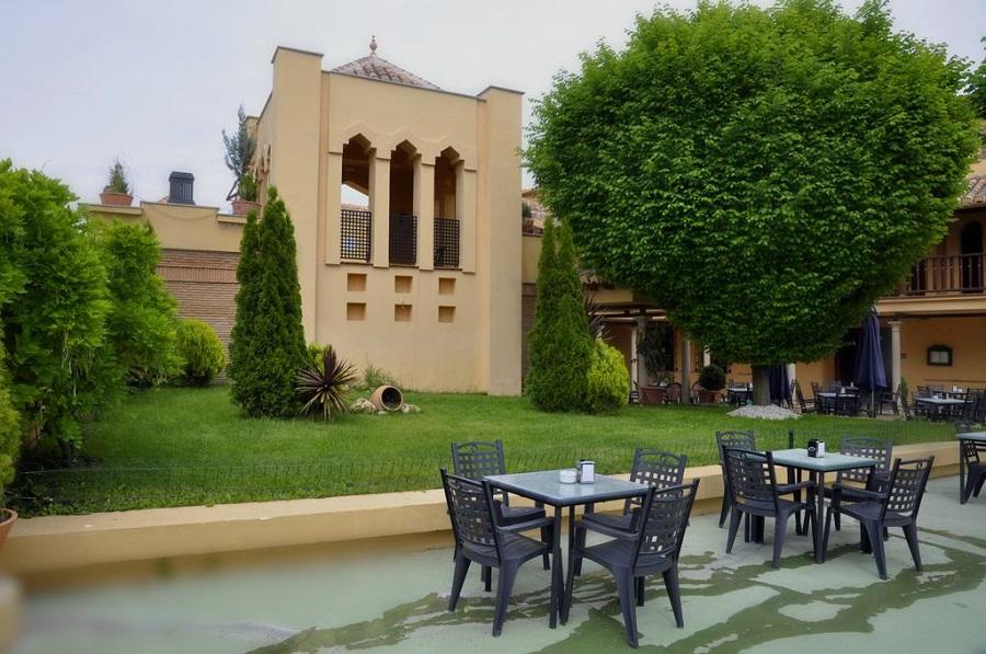 Suites con jacuzzi en Monachill en el Hotel Los Cerezos cerca de Sierra Nevada y tambien de Granada